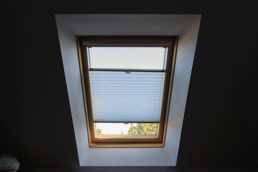 Plisa na okno dachowe